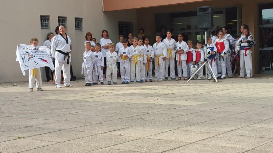Démonstration pour les 50ans du Carnoux Olympic Club